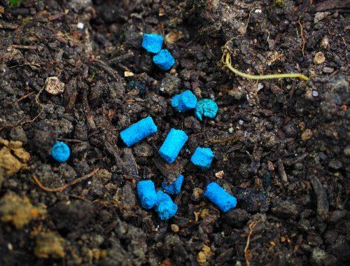 Phosphate ferrique anti-limaces