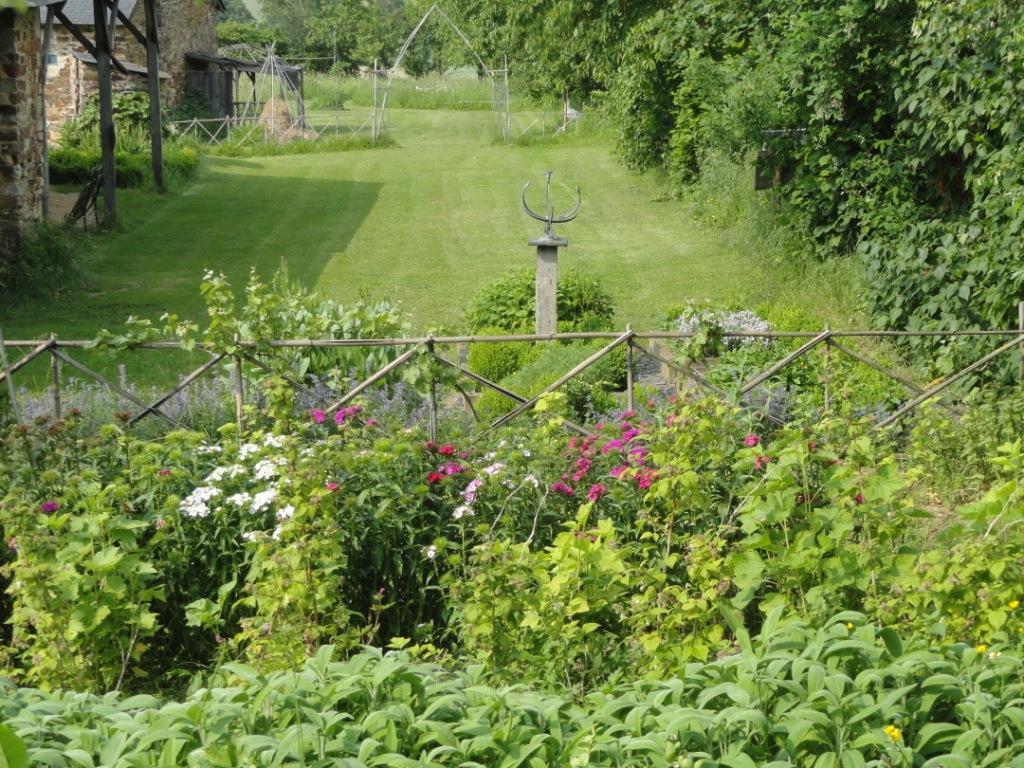 3-le-jardin-daromes